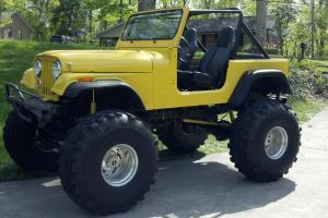 "1989 Jeep Wrangler 1969 CJ Rock Crawler 350 Chevy crate motor 44"" super swampers"