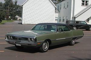 Chrysler : Newport Custom Deluxe