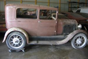 Ford : Model A 2 DOOR SEDAN