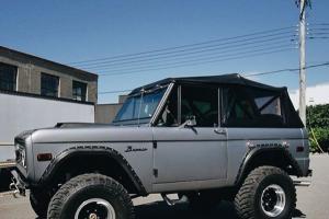 Ford : Bronco Bronco