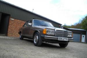 Mercedes-Benz 300D W123 automatic - 89000 miles - low ownership