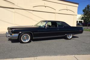 STUNNING SHOW WINNER 1972 CADILLAC COUPE DEVILLE