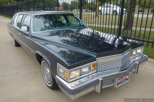 Cadillac : Fleetwood 4-door limo