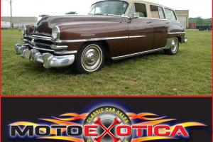 Chrysler : Town & Country New Yorker