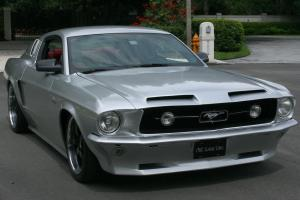 Ford : Mustang FASTBACK RESTOMOD - SUPERCHARGED