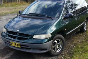 Chrysler Voyager SE 1999 4D Wagon 4 SP Automatic 3 3L Multi Point F INJ in Lake Munmorah, NSW