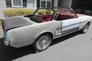 Ford : Mustang deluxe pony interior