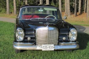 Mercedes-Benz : 200-Series 220b