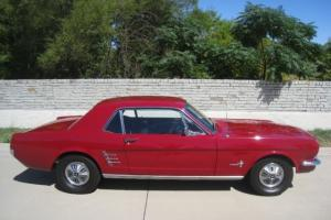 Ford : Mustang Auto w/ PS