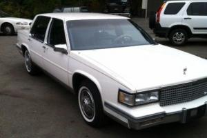 Cadillac : DeVille Base Sedan 4-Door