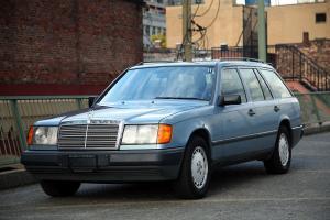 Mercedes-Benz : 300-Series base