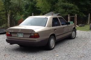 Mercedes-Benz : 300-Series 300E