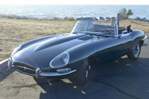 Jaguar : E-Type Series 1 Open Two Seater (British Racing Green) Photo
