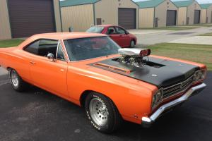 Plymouth : Road Runner 2 door coupe