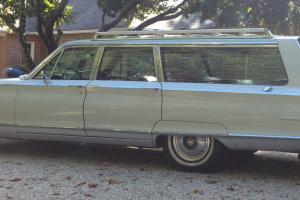 Chrysler : New Yorker 9 passenger