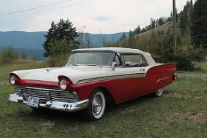 Ford : Fairlane 500 Convertible