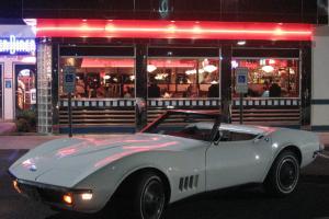 Chevrolet : Corvette Burgundy