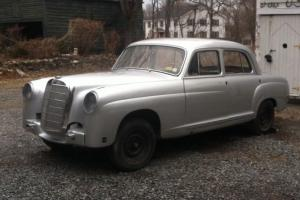Mercedes-Benz : 200-Series Standard