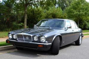 Jaguar : XJ12 Vanden Plas