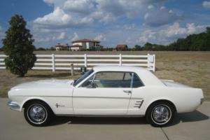 Ford : Mustang Auto w/ AC