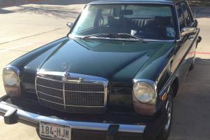 Mercedes-Benz : 200-Series 4 Door