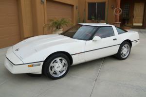 Chevrolet : Corvette WHITE CONVERTIBLE