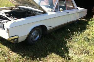 Chrysler : New Yorker 4 door