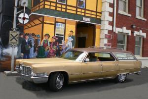 Cadillac : Fleetwood Hardtop 9 Passengar Station Wagon