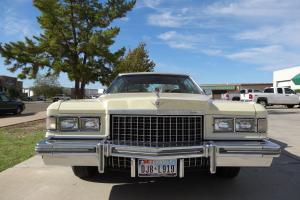 Cadillac : DeVille De ville