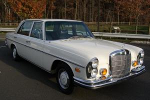 Mercedes-Benz : 200-Series SEL