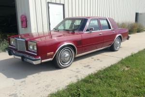 Chrysler : New Yorker Base Sedan 4-Door