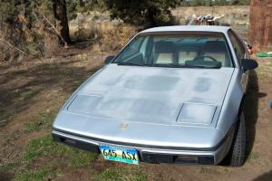 Pontiac : Fiero SE Coupe with Air Conditioning