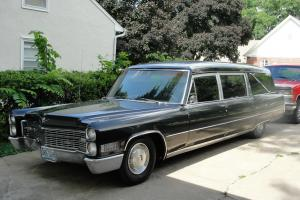 Cadillac : DeVille Hearse