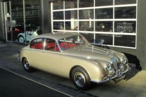 Daimler V8 250 1968
