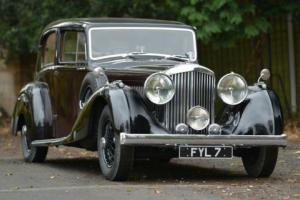 1939 Derby Bentley 4.25 Litre MX Overdrive Saloon. Photo
