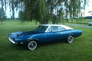 Dodge : Charger WHITE HAT CAR