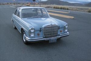 Mercedes-Benz : 200-Series S250