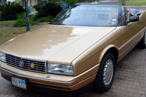 Cadillac : Allante Base Convertible 2-Door