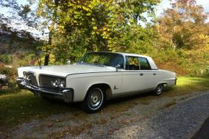 Chrysler : Imperial four door, no post