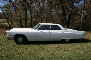 Cadillac : Other Base Hardtop 4-Door
