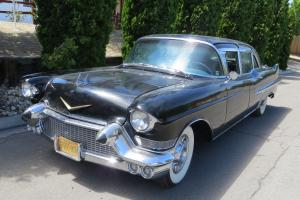 Cadillac : Fleetwood Limousine Photo