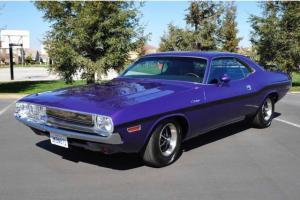 Dodge : Challenger SE