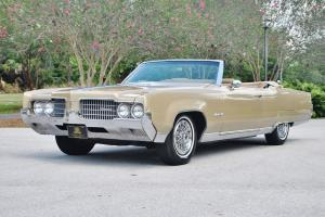 Oldsmobile : Ninety-Eight NO RESERVE