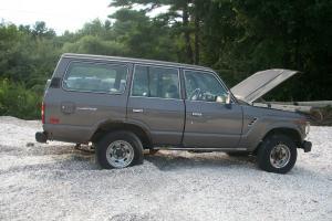 Toyota : Land Cruiser base sport utility 4 door