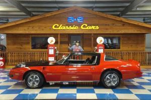 Pontiac : Firebird 2 Dr