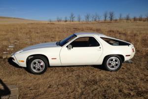 Porsche : 928 base