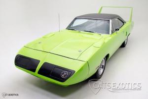 Plymouth : Road Runner Superbird 440 Six Pack
