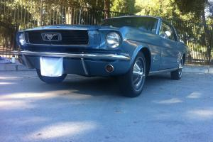 Ford : Mustang Sprint 200
