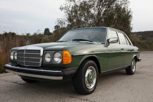 Mercedes-Benz : 300-Series 4 Door