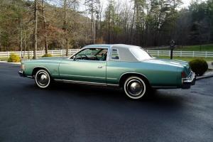 Chrysler : Cordoba 2-Door Coupe